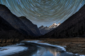 Astro Long Star Trail Photography 5k Wallpaper