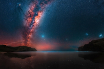 Milky Way Rises At A Remote Bay Near Christchurch 4k Wallpaper