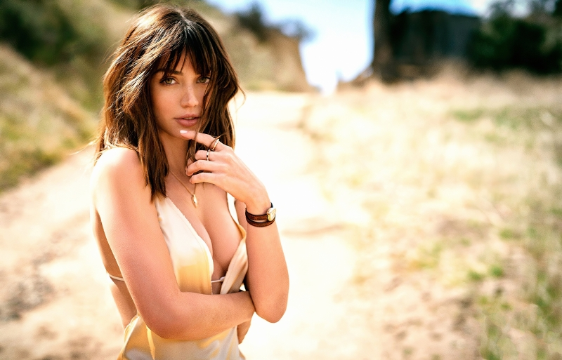 Ana De Armas Gq 2020 Wallpaper