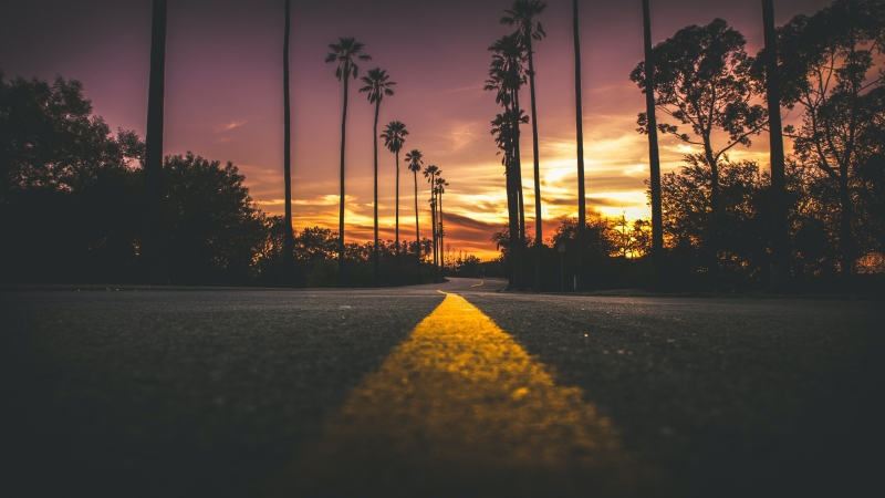 Road In City During Sunset 4K HD Wallpaper