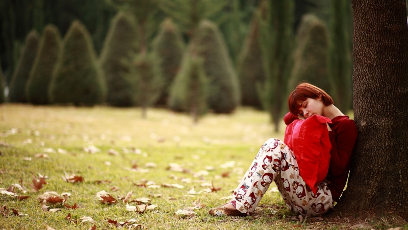 Sad Girl Sitting Under Tree 4K 5K HD Wallpaper