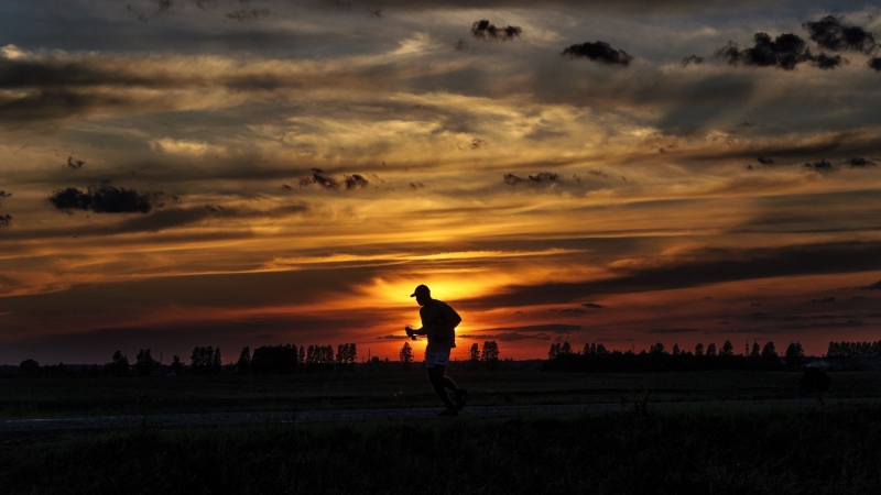 Silhouette Running Sunset Athlete Clouds Sky 4K HD Wallpaper