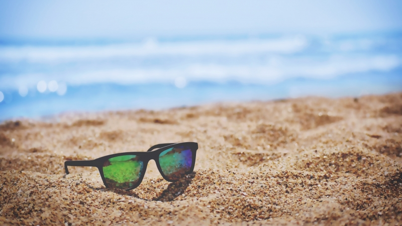 Summer 8 4K 5K HD Sunglass Wallpaper