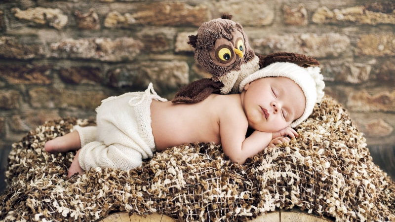 Cute Baby Sleeping With Doll 4K 5K HD Cute Wallpaper