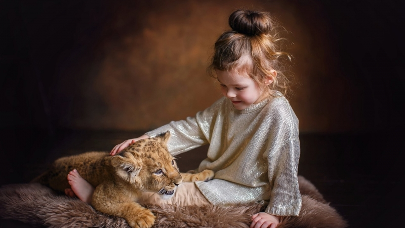 Cute Little Girl Is Playing With Cub Wearing Glittering Dress HD Cute Wallpaper